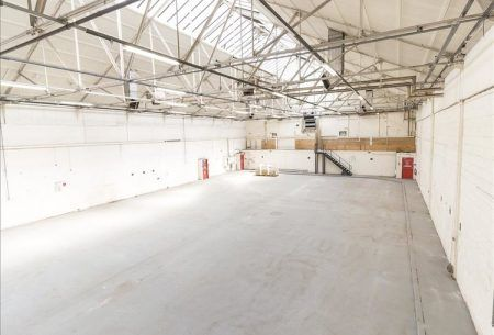 10,000 sq ft Warehouse with flexible terms